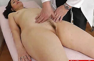Gray gilf mom gray bushy muff inspection.  xxx porn