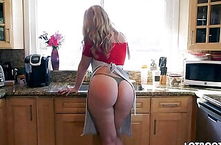 Lovely blonde Alexis Texas with classy fat butt.  xxx porn
