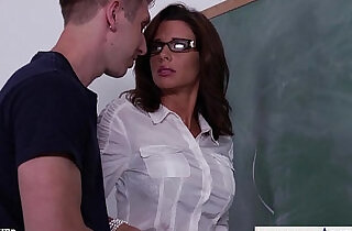 Stockinged sex teacher veronica avluv fuck in class.  xxx porn
