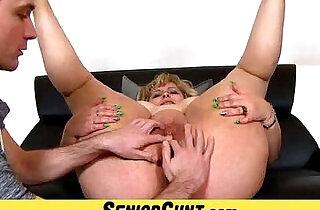 Mature pussy close ups of amateur mom Anna.  xxx porn