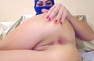 Arab Slut In Hijab Tries out Anal With A Dildo.  xxx porn