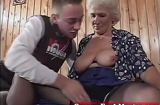 so young: Grandma eager for younger dicks