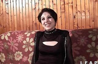 Petite francaise grave sodomisee pour son casting amateur.  xxx porn
