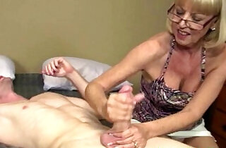 Mature granny getting cum blasted.  handjob  ,  mature asia   xxx porn