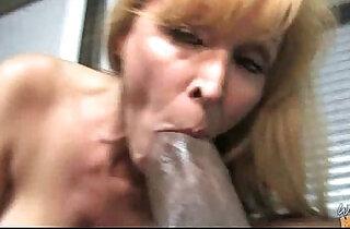 Huge Black hard Cock Destroys Amateur Housewife.  xxx porn