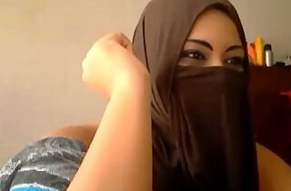 muslimischer Sex: Muslim Cam Girl Using her Dildo