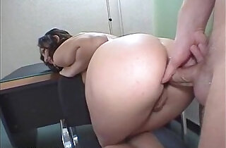 Women of beautiful body being penetrated by the anus.  xxx porn