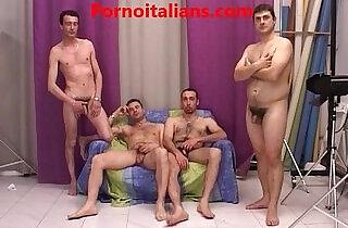 Porno casting quattro attori esordienti per la pornostar esperta.  xxx porn