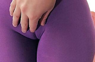 Enormous Ass Tiny Waist Cameltoe Pussy.  web cams   xxx porn